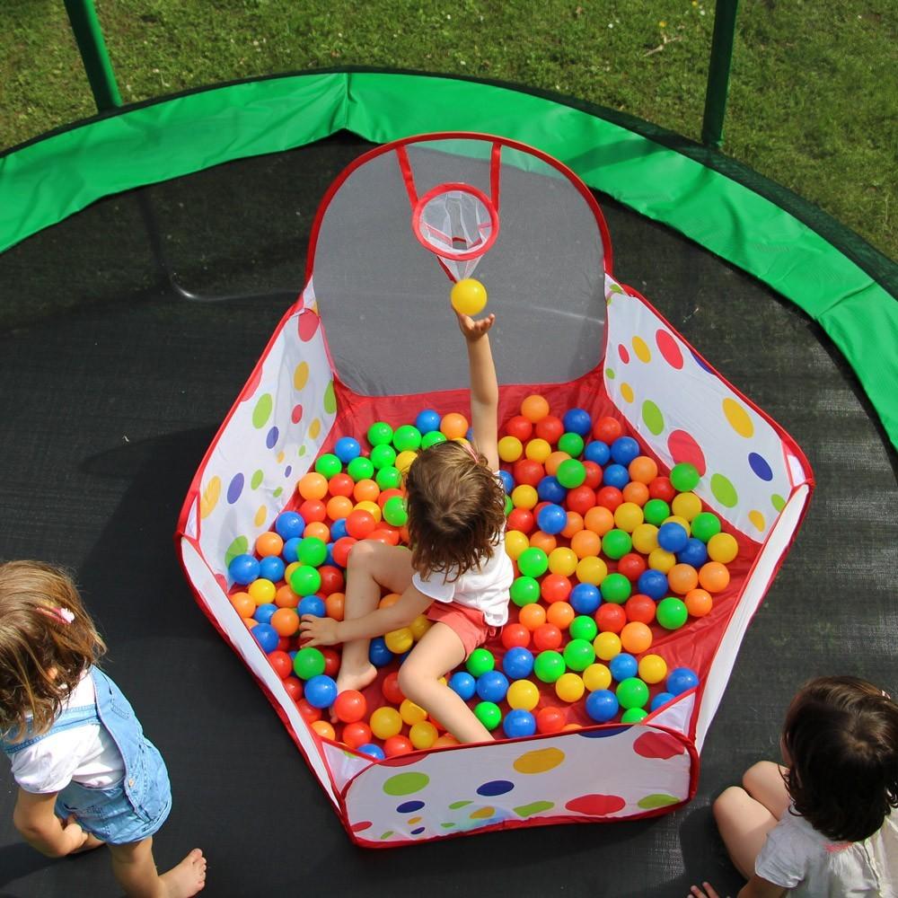 Una piscina con 200 palline colorate per un divertimento - Giochi da esterno per bambini ...